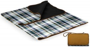 This large water resistant picnic blanket is perfect for picnics or outdoor events.